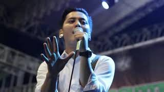 Download lagu Mozza vocalis ganteng cover slank Vierra d Masiv kotak MP3