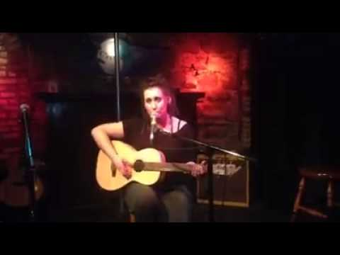 Courtney Lynn Music - That's All Right (Mama) cover (Elvis Presley's first single) @ C'est What