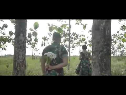Video romantis sepasang kekasih TNI AD