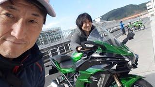 Kawasaki Ninja H2 SX見参!!スーパーチャージャー付きGTマシンとは