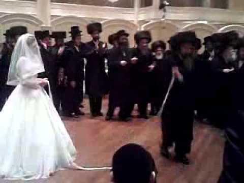 rachmistrivka rabbi at mitzvah tantz