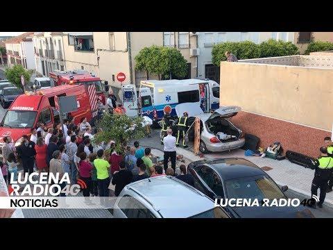 VÍDEO: Un hombre resulta herido tras la colisión entre dos vehículos en la calle Palenciana.