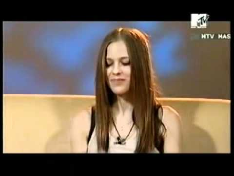 Avril Lavigne funny   MTV Philippines interview