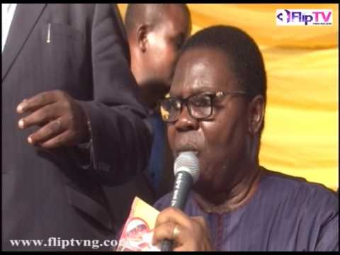 EBENEZER OBEY PRAISES K1 De ULTIMATE AT OLUBADAN'S CORONATION ANNIVERSARY CELEBRATION 1
