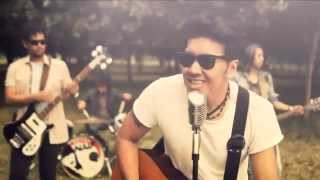 Video NAIF - Karena Kamu Cuma Satu (Official  Music Video) download MP3, 3GP, MP4, WEBM, AVI, FLV Agustus 2017