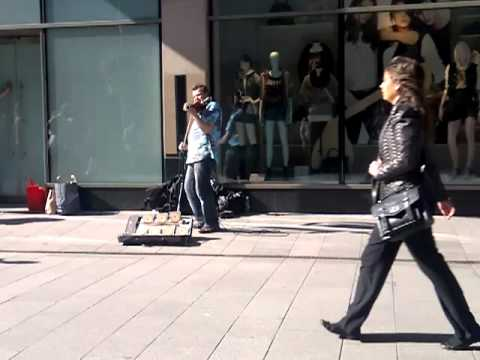 Wind of Change played on Henry street in Dublin by polish violin virtuoso