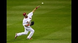 MLB Greatest Outfield Throws (HD)