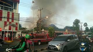 Kebakaran hebat disamping TransMart Depok