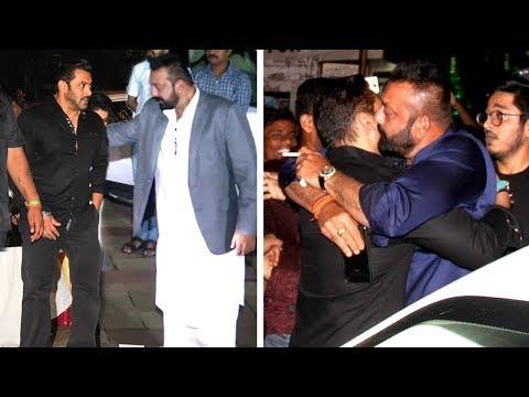 Salman Khan HUGS Sanjay Dutt & Ends FIGHT At His Diwali Party 2017