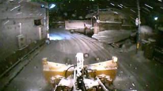 Repeat youtube video 不慮の事故(除雪中にマルチプラウのカッティングが・・・)