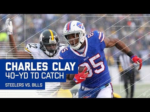 LeSean McCoy Eludes Defenders for Big Gain to Set Up Clay