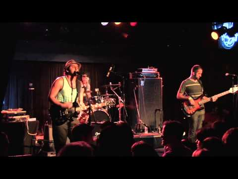 Mike Pinto, Feet don't fail me now, and Tricky Nicky (Live)