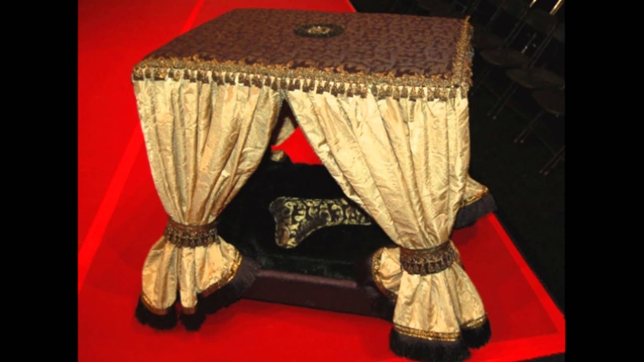 Opulent Doggie Beds For The Ultimate In Canine Luxury