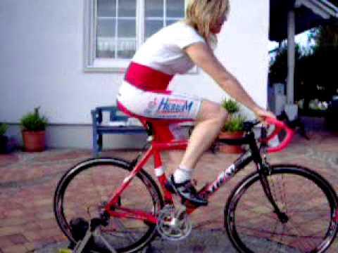 eine erfahrung mit einem rennrad mit geradem lenker zum renn youtube. Black Bedroom Furniture Sets. Home Design Ideas