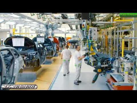 Skoda Octavia 2017 production line in Mlada Bilesval (No music)