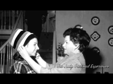 13 Year Old Liza Minnelli sings OVER THE RAINBOW complete version Judy Garland