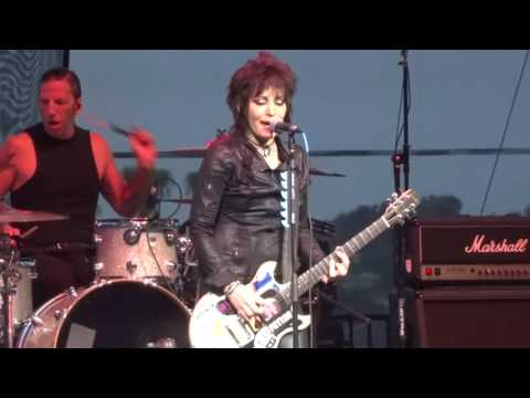 "Joan Jett & The Blackhearts - ""Do You Wanna Touch Me"" (Live in San Diego 6-9-16)"