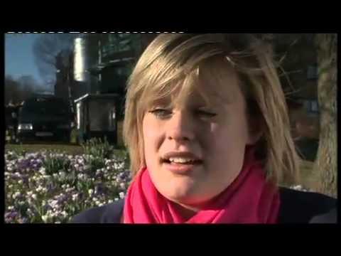 Sara Davies - Astudio trwy'r Gymraeg, Nyrsio, Prifysgol Abertawe