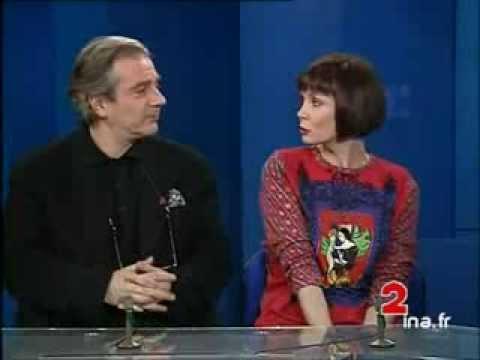 "Pierre Arditi et Sabine Azéma ""Smoking, No Smoking"" d'Alain Resnais - Archive INA"