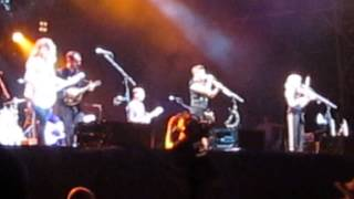Dixie Chicks - Prickly Thorn, But Sweetly Worn - Ottawa BluesFest 2013 (White Stripes cover)