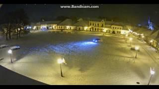 Pierwszy śnieg to i pierwszy Hołowczyc:) Rynek Stary Sącz 13.11.2016