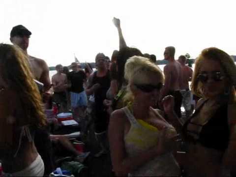 house boat party on lake lanier! - YouTube Lake Lanier Party
