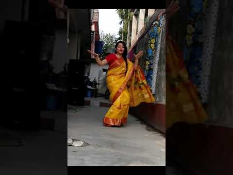 Dj Wale Babu Mera Gana Baja De (Full HD Song) by Bengali Hottest Boudi Dance