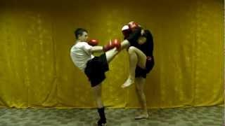 Тайский бокс - Защита от ударов ногами.(В этом видео по тайскому боксу, я покажу тебе различные варианты защиты от ударов ногами! Книга