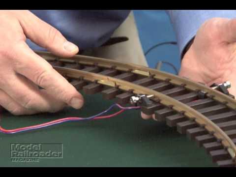 Model Railroader magazine Piko G Scale train set review - YouTube