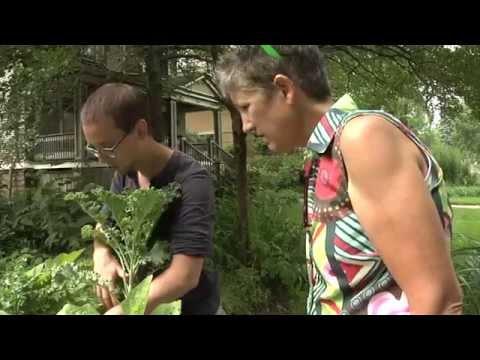 Deb's Big Backyard:  Sugar Beet Edible Garden Tour 2014