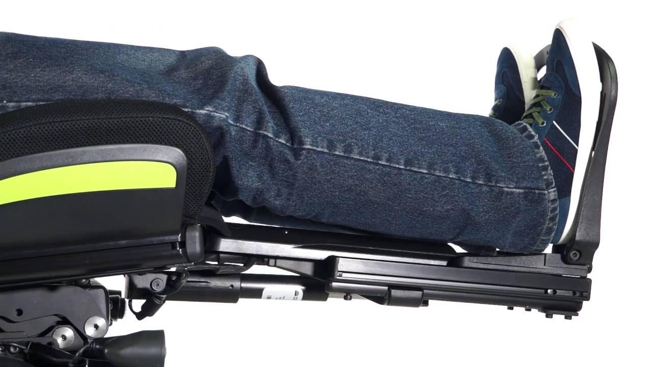 silla de ruedas con reposapies elevable