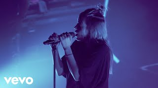 Billie Eilish - wish you were gay (Live)