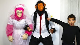 Wedding of the monkeys , pretend play video for kids, les boys tv2