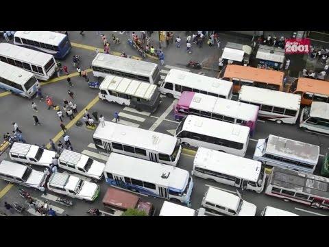 Venezuelan bus drivers protest, stop traffic