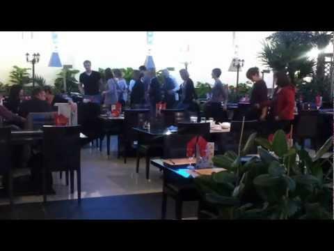 Soirée Karaoké tous les vendredi soir au restaurant Le Palace D'Asie.