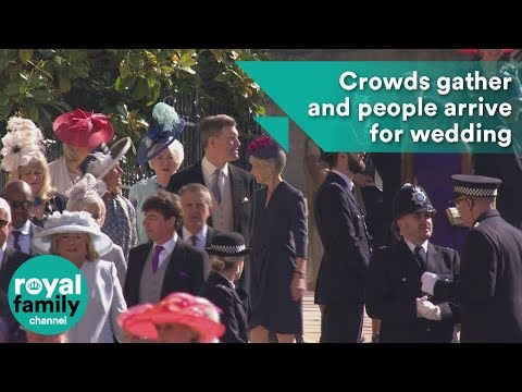 Crowds gather and people arrive for for Prince Harry's wedding