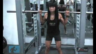 squats with paa sg fitness model ms melissa wee