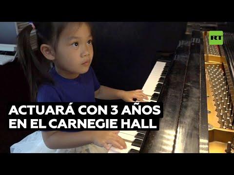 Niña de 3 años aprendió a tocar el piano como una virtuosa durante la pandemia | RT Play