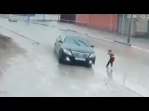 😱 NEAR DEATH SPECIAL CARS 🚗