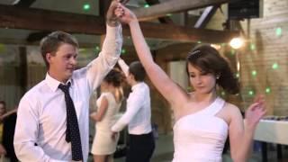 Свадебный Танец Михаила и Юлии! НАШ Танцевальный Батл подружки невесты против компании жениха! :)