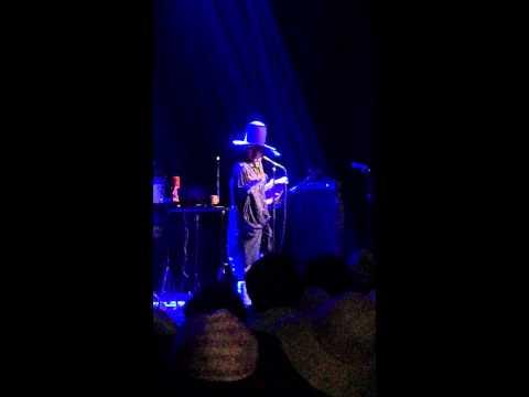 Erykah Badu - Green Eyes [Live @ Bomb Factory (3/26/15)]