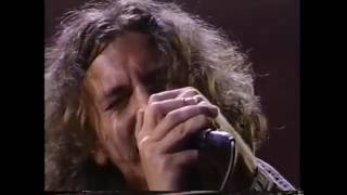 Pearl Jam Animal / Neil Young  Rockin in The Free World MTV Awards 9-02-1993