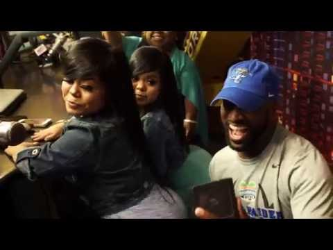 """Little Women: Atlanta"" Cast Members Twerk For Rickey Smiley!"
