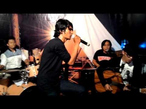 Free Download Flanella - Aku Bisa [live Accoustic @kl_express ] Mp3 dan Mp4
