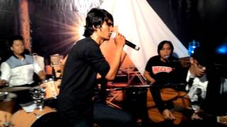 Flanella - Aku Bisa [Live accoustic @KL_EXPRESS ]