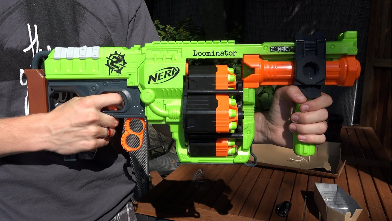 Nerf Zombie Strike Doominator Unboxing and Review