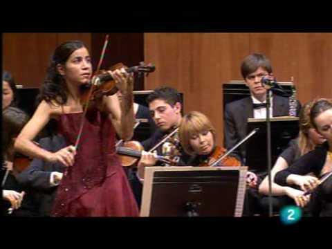 Ana Maria Valderrama plays Mozart violin concerto nº 3, 2 Mov (3/4)