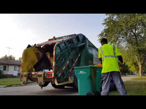 Waste Management: Freightliner M2 106/ Loadmaster Excel