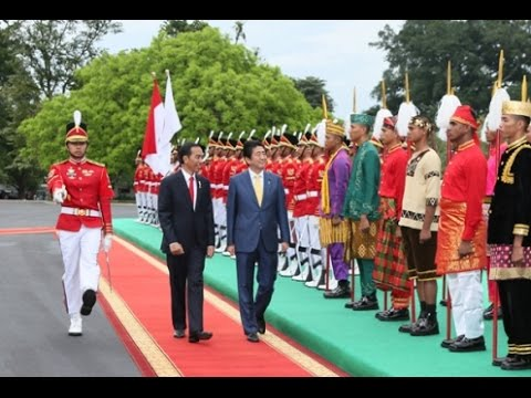 Prime Minister Abe visits Indonesia