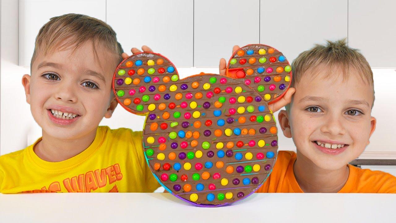 Niki joue et fait éclater du chocolat - Vidéo amusante pour les enfants